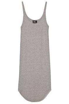 Vestido color gris de morley con breteles, escote redondo, calce holgado y terminación irregular. Pertenece a la nueva colección P/V 2016 de Nous Etudions.