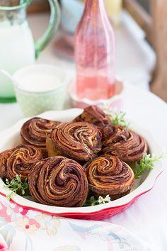 Aprende a preparar los bollos de chocolate de Linda Lomelino, son fáciles y deliciosos