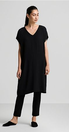 Our Favorite January Looks & Styles for Women   EILEEN FISHER    EILEEN FISHER Tunic Dress With Leggings, Minimal Fashion, Work Fashion, Eileen Fisher, Layering, Beautiful Outfits, Cool Outfits, Cool Style, Looks