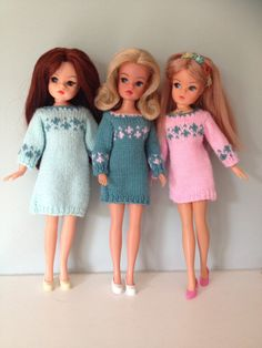 Hand knitted jumper dresses for Sindy Barbie Knitting Patterns, Doll Clothes Patterns, Crochet Patterns, Vintage Girls, Vintage Dresses, Vintage Toys, Barbie Dress, Barbie Outfits, Crochet Barbie Clothes
