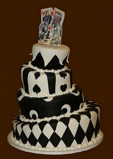 Queen of Hearts Cake -LOVE IT! But, where's the red? Maybe something similar for my cake