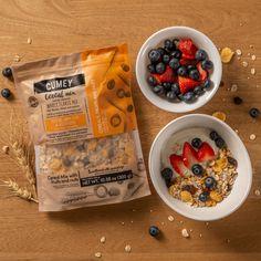 ¡La combinación perfecta con nuestro mix de cereales #CUMEY! .... Para desayunar, cenar o como snack en cualquier momento del día. Granola, Cereal Mix, Snack, Oatmeal, Fruit, Breakfast, Food, Food Combining, Natural Foods