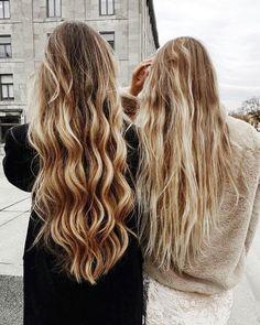 long blonde hair//pinterest: juliabarefoot