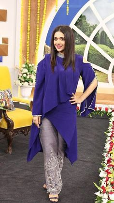 Beautiful Crepe-Silk asymmetric tunic with different silhouettes and detailing. Stylish Dresses, Simple Dresses, Stylish Outfits, Nice Dresses, Casual Dresses, Fashion Dresses, Pakistani Wedding Outfits, Pakistani Dresses, Indian Dresses