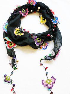 scarf with oya crochet edging – Moda Femenina Crochet Food, Love Crochet, Knit Crochet, Crochet Beanie, Crochet Hats, Crochet Necklace Pattern, Hippy Chic, Scarf Jewelry, Freeform Crochet