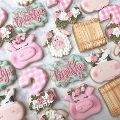Sweet barnyard bash birthday set! All animals and floral #2 from our shop @sweetsilhouettes @caceyscakery