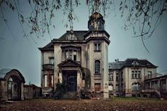 Abandoned 1881 Italianate Style Mansion thats known by the locals to be haunted.
