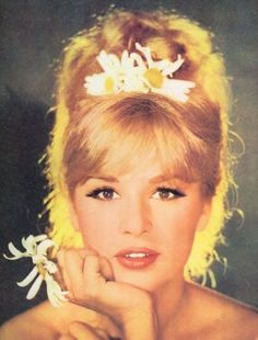 1960s hairstyles - Google Search