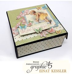 For this challenge, Einat Kessler created an accordion mini album nested inside a box. I used the amazing Little Darlings paper collection. Album Book, Explosion Box, Photo Journal, Graphic 45, Door Knockers, Little Darlings, Mini Books, Baby Cards, Mini Albums
