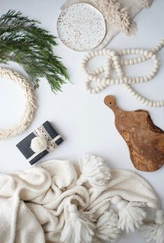 how to have a simple CHRISTMAS like a normal person who loves beauty. YES PLEASE