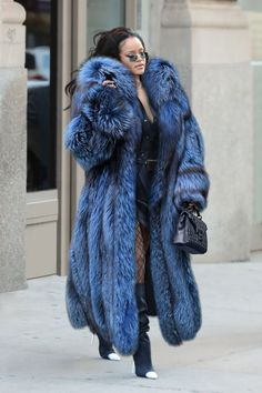 "Perfume Genius on Twitter: ""… "" Blue Fur Coat, Long Fur Coat, Rihanna Mode, Rihanna Style, Fur Fashion, Fashion Outfits, Fur Coat Outfit, Fox Coat, Fabulous Furs"