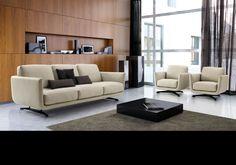 Programma d'arredamento composto da divani disponibili in diverse misure e numerosi elementi componibili in linea o ad angolo.