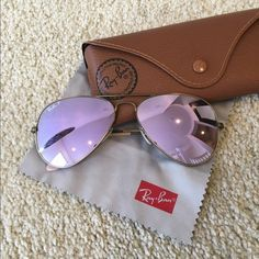 Ray-Ban Aviators Polarized RB 3025 Lilac Mirrorized Ray Ban Aviatiors mirrorized lilac size Large. RB 3025 167/1R 58 14 Gently loved, but lots of summer left in it!! Purchased at Sunglass Hut/Macys. Excellent condition, no scratches. Comes with original case and cleaning cloth. Ray-Ban Accessories Sunglasses