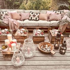 Bohemian Decor Ideas for Outdoor Patio Space Affordable Rugs, Good Morning Friends, Outdoor Living, Outdoor Decor, Patio Design, Backyard Patio, Gazebo, Pergola, Decoration