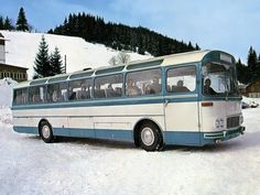 Vintage Models, Vintage Cars, Bus Art, Beast From The East, New Bus, Volkswagen Group, Bus Coach, Bus Ride, Busses