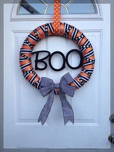 DIY Halloween Wreaths for a Creepy Door (31 Pics) - Snappy Pixels