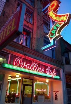 Classic old cafe with that great neon sign. Neon Light Art, Sign O' The Times, Neon Licht, Ovaltine, Vintage Neon Signs, Cozy Cafe, Restaurants, Old Signs, Googie