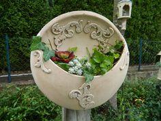 Pflanzschale hängend an Stele oder Wand von floramik auf DaWanda.com