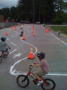 Pedal On: The way to get children started on the right path for bicycling Bicycle Birthday Parties, Bicycle Party, Kids Bicycle, Outside Activities, Activities For Boys, Math For Kids, Circuit Velo, Summer School Programs, Safety Rules For Kids