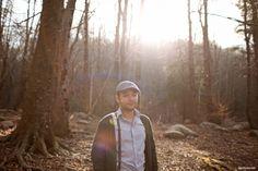 Preboda en el campo hipster por Sara Lazaro - Countryside hipster engagement - hipster guy