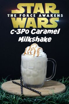 Carmel Milkshake - Caramel milkshake that is easy to make and amazing because of the secret ingredient that is used. Important to use quality caramel when making this recipe. Non Alcoholic Drinks, Cocktail Drinks, Cold Drinks, Fun Drinks, Yummy Drinks, Yummy Food, Beverages, Tema Star Wars, Star Wars Food
