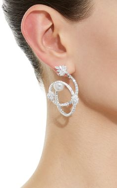 Click Product to Zoom Yeprem Pearl Scent Spiral Earrings ColorWhite Ear Jewelry, Jewelry Art, Gold Jewelry, Jewelery, Women Jewelry, Jewelry Design, Fashion Earrings, Fashion Jewelry, Expensive Jewelry