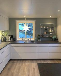 home decor kitchen Elisabeth hinaus Ins - Home Decor Kitchen, Home Kitchens, Kitchen Dining, Kitchen Cabinets, Kitchen Ideas, Küchen Design, House Design, Interior Design, Design Interiors