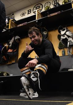 Hockey Teams, Hockey Players, Ice Hockey, Boston Bruins Players, Boston Bruins Hockey, Brad Marchand, Boston Sports, Team Photos, Fine Men