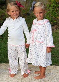 too cute, by MIM Castil Toddler Girl Outfits, Baby & Toddler Clothing, Toddler Fashion, Kids Fashion, Cute Kids Photography, Baby Shower Favors Girl, Girls Sleepwear, Cute Pajamas, Little Girl Dresses