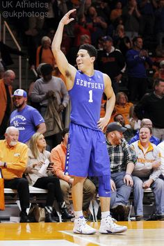 .@KentuckyMBB 's @DevinBook led the Cats w/ 18pts & 7rebs in their 66-48 win over UT. #bbn #WeAreUK