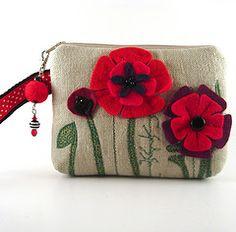Poppy purse. Felt crafts are so much fun!