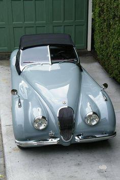1951 Jaguar XK-120 in dove grey | ^ https://de.pinterest.com/pin/120330621273380260/