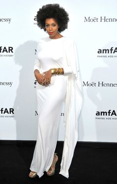 Solange Knowles 2nd most fasionable woman on Styleblazer's List.  I love this look on her.  She looks gorgeous.