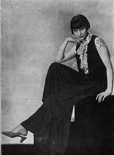 Pyjama 1930    Les Modes (Paris) 1930 Pyjama de Germaine Lecomte