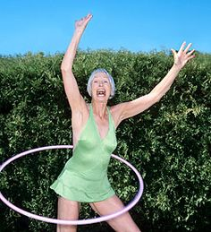 Awesome article about the positive effects of hooping. Free Tips, Gardening For Beginners, Physical Activities, Lawn Mower, Health Tips, Have Fun, Health Fitness, Challenges, Exercise
