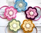 These are adorable.  I love the contrast in colors.  Dark and light.  Square Lemons Etsy Shop.  $6.00