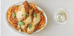 How to Pair Chicken Parmesan with Italian White Wine Italian White Wine, Wine Enthusiast Magazine, Pork Chops, Parmesan, Dinner Recipes, Pasta, Chicken, Breakfast, Ethnic Recipes