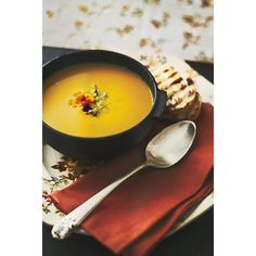 It's soup- time. We share our favorite autumn recipe with you on  Facebook.com/Sabine-Hueck-atelier-culinario  #sabinehueck #atelierculinario