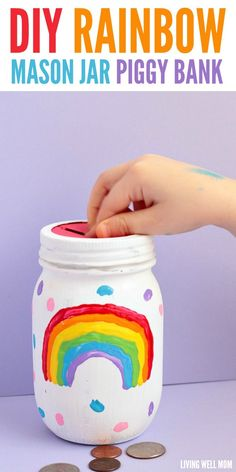 This DIY rainbow mason jar piggy bank is easy enough for kids to make themselves! It's a fun, colorful way to encourage kids to save money. Summer Crafts For Kids, Crafts For Girls, Diy For Kids, Mason Jar Crafts, Mason Jar Diy, Homemade Piggy Banks, Piggy Bank Craft, Mason Jar Bank, Diy Love