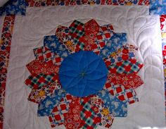 machine quilt a dresden block | ... Custom Machine Quilting: The Story of the Lonely Dresden Plate Quilt