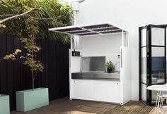 Freestanding, compact outdoor kitchen by Tait Build Outdoor Kitchen, Outdoor Kitchen Design, Outdoor Cooking, Outdoor Oven, Backyard Bar, Patio Gazebo, Backyard Kitchen, Outdoor Lounge Furniture, Backyard Projects