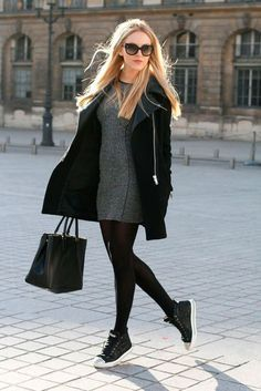 4 Must Have Essential Outfit for Fall Fall is coming and as a woman must ready for the essential outfits for fall. Sweater, cardigan, legging and leather jacket are must have outfit for fall. Basic Fashion, Fashion Looks, Fall Winter Outfits, Winter Fashion, Tights Outfit Winter, Casual Winter, Winter Clothes, Winter Wear, Look Street Style