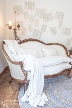 Antique Couch, Vintage Settee, Antique Furniture, French Decor, French Country Decorating, Country French, Lounge Couch, Diy Couch, Home Furniture