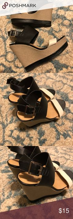 Glam Wedges Black and white wedges in great condition. Worn 3x. Minor scuffing. Report Shoes Wedges
