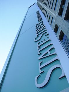 State Street Financial Lit Pylon. Design by Selbert Perkins. Design-Engineering, fabrication, and installation by DCL.  #pylon #corporate #exterior #sign #vertical #letters