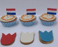 Cakejes en koekjes Koningsdag | Meer ideeën: http://www.jouwwoonidee.nl/koninginnedag-knutselen/