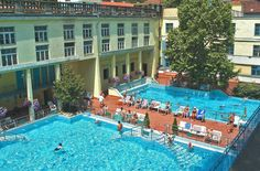 Budapest, the City of Healing Waters, offers a variety of spas and thermal baths where you can heal and relax during a wellness vacation. Budapest Spa, Budapest Thermal Baths, Thermal Pool, Tourist Information, Oh The Places You'll Go, Christmas Holidays, Dolores Park, Relax, Vacation