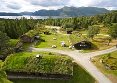 Raulandsakademiet - Norwegian center for the dissemination of folk culture is 700 meters above sea level in Rauland in Telemark county - at the foot of Hardangervidda National Park. www.raulandsakademiet.no