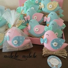 Teddy Clothing How To Make Toys Baby Shower Princess Baby Shawer Felt Toys Baby Decor Diy Stuffed Animals Twin Girls Christening Felt Crafts, Diy And Crafts, Homemade Baby Shower Favors, Bird Template, Craft Projects, Sewing Projects, Felt Bookmark, Christmas Teddy Bear, Bird Theme