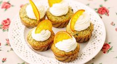 Get lured by this simple homemade cupcake recipe, quick and easy to make, with a jasmine flavoured dough and a yummy orange icing Lemon Desserts, Great Desserts, No Bake Desserts, Dessert Recipes, Picnic Recipes, Asian Desserts, Homemade Cupcake Recipes, Orange Dessert, Orange Cupcakes